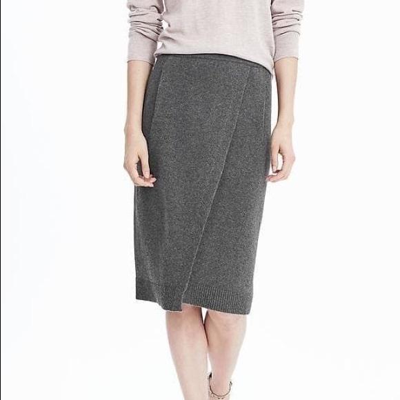 Banana Republic Dresses & Skirts - Banana Republic Italian Yarn Sweater Skirt